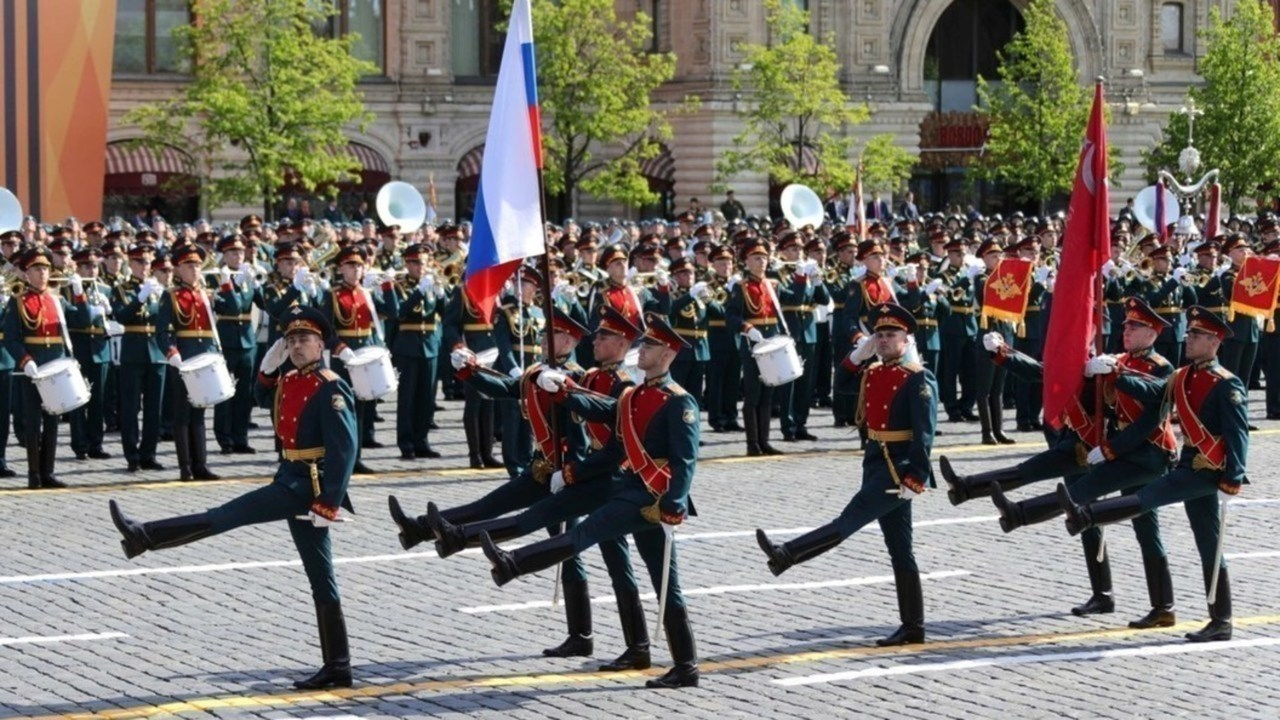 Путин приватизировал Победу советского народа