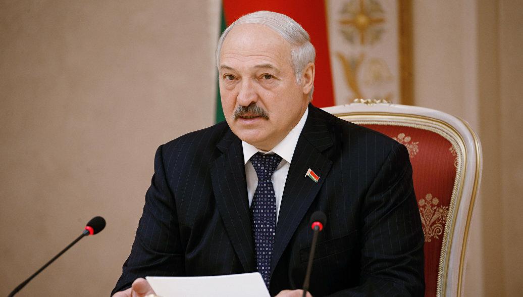 Лукашенко провел сравнение между числом умерших в его стране от коронавируса и от пьянства