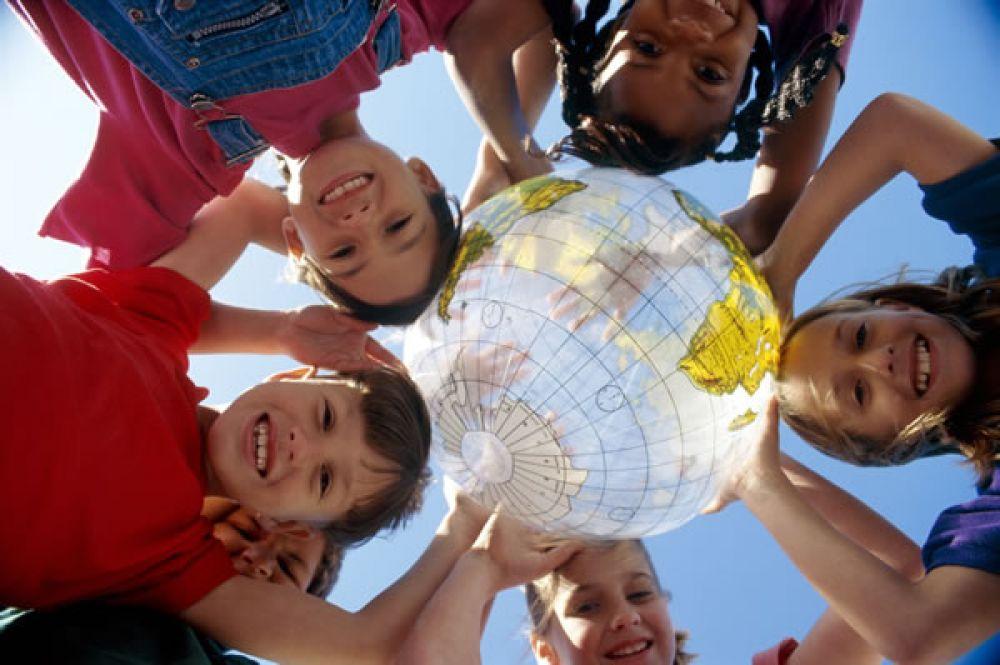 От кого и от чего нужно защищать детей в России